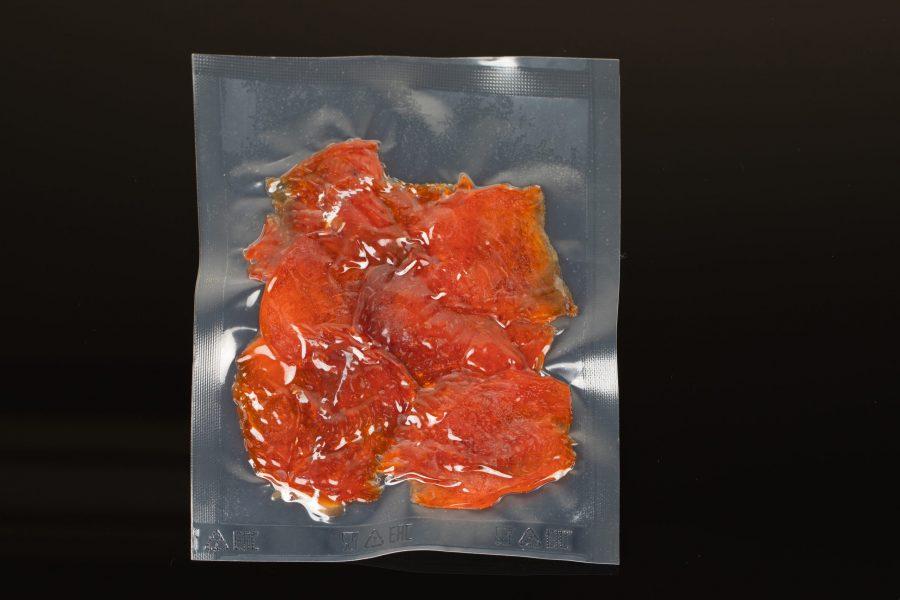 Чипсы из форели копченые в упаковке